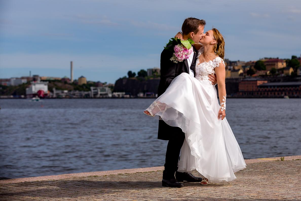 Bröllopsfotografering i Stockholm juni 2018. Gustaf Vasa Kyrka och Gamla Stan